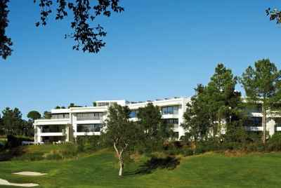 Beautiful new accommodation complex in Costa Brava with golf course